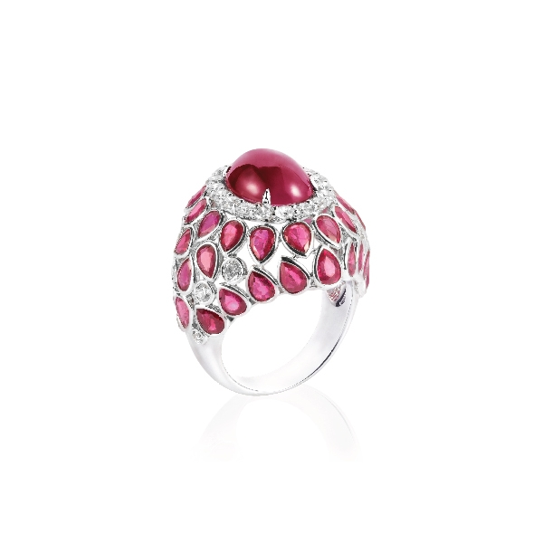 18K WHITE GOLD CABOCHON RUBY, PEAR SHAPE RUBIES & DIAMOND RING