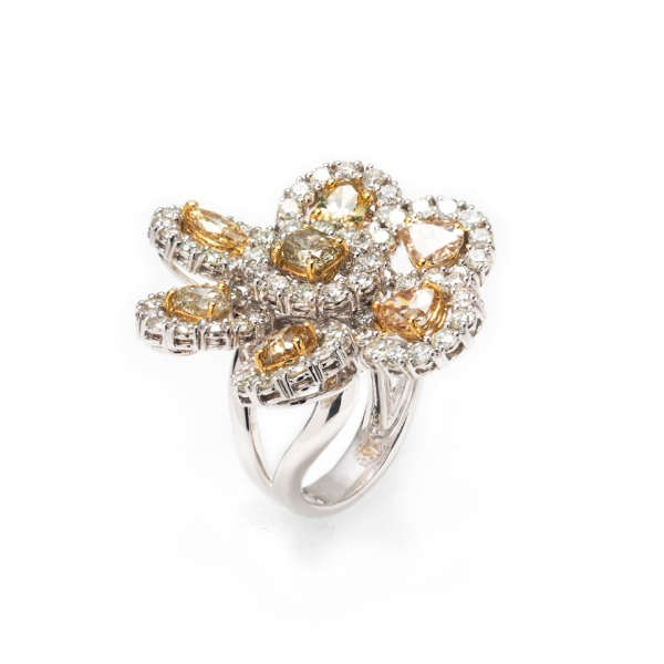 18K WHITE GOLD FANCY YELLOW DIAMOND RING