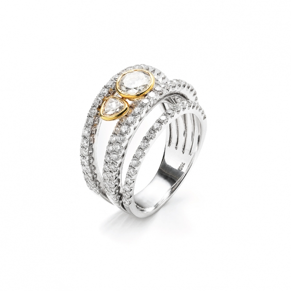 18K WHITE & YELLOW GOLD DIAMOND RING