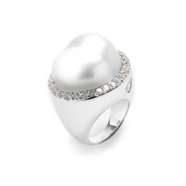 18K WHITE GOLD BAROQUE SOUTH SEA PEARL & DIAMOND RING